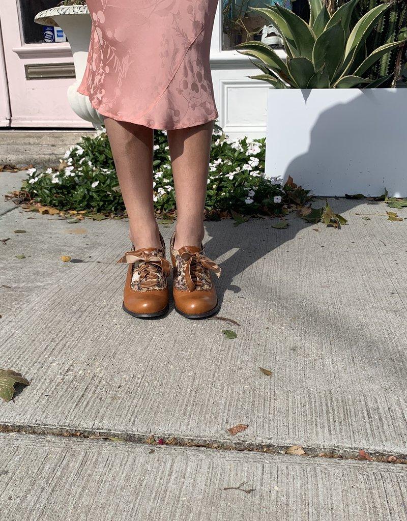 SHAKE YOUR BON BON Mojo Moxy Vintage Heel Carmel Floral 9