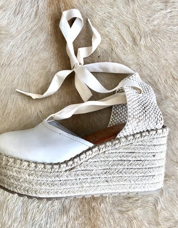 SHAKE YOUR BON BON Dalton Platform Wedge - White
