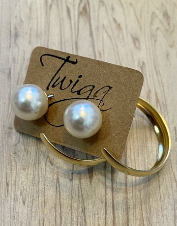 Twiga Chunky Hoop with Pearl Back - Smooth Gold Plated