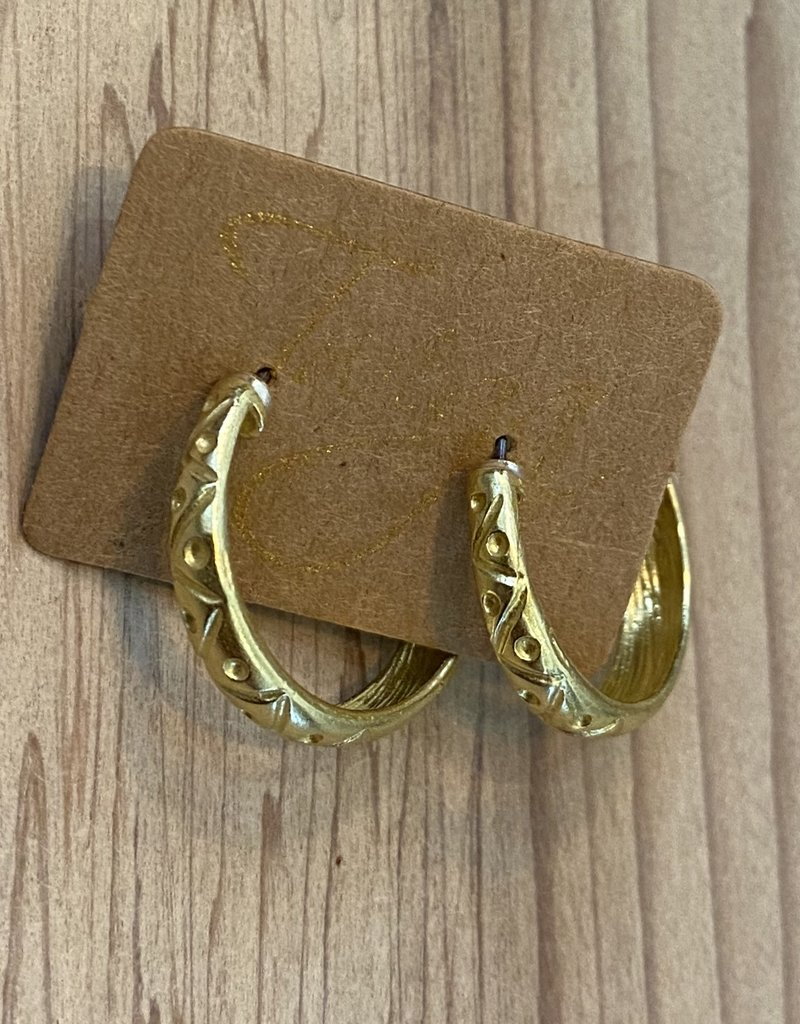 Twiga Chunky Hoop with Pearl Back - Raw Brass Textured