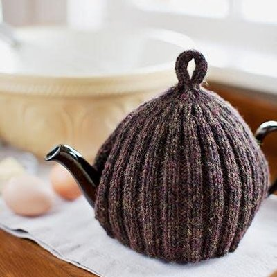 Churchmouse Yarns & Teas Churchmouse - Ribbed & Ruffled Tea Cozy
