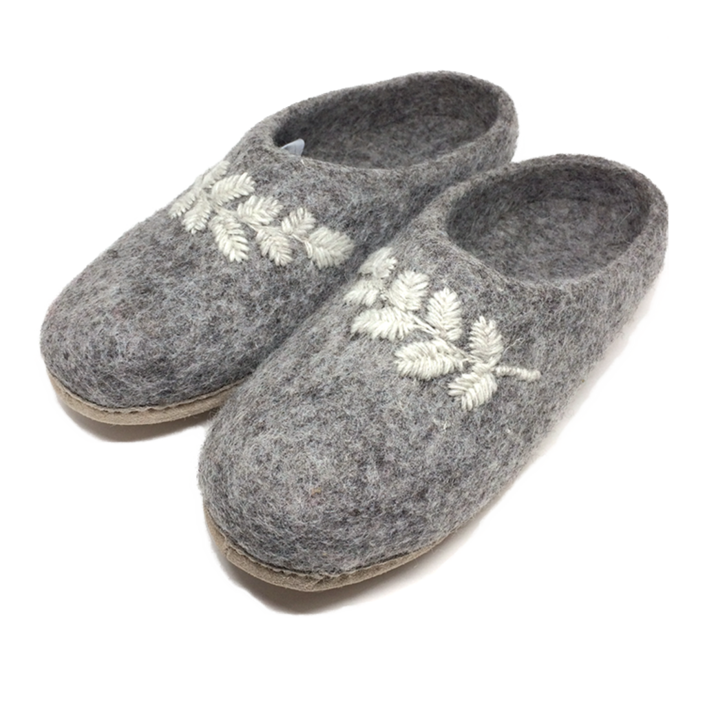 Nooks Design Adult Slipper