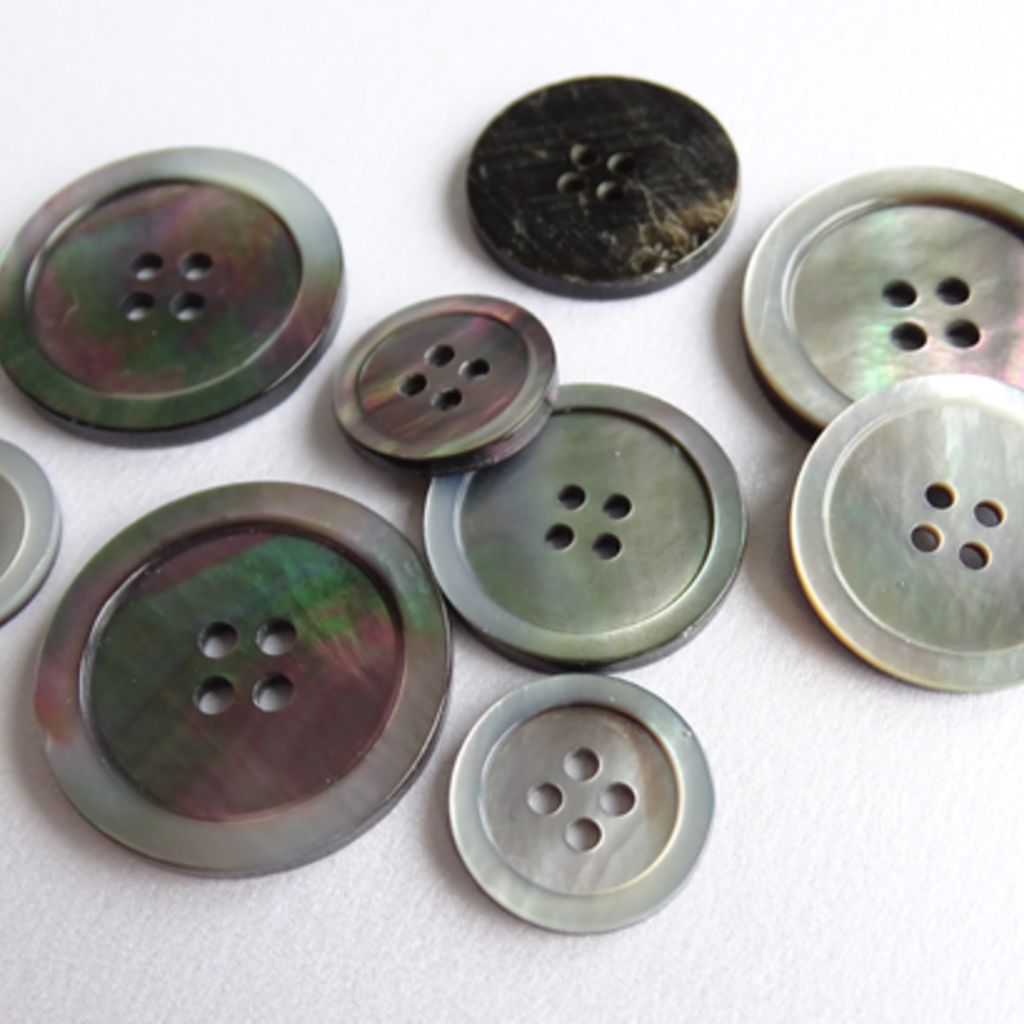 Mother of Pearl Button 20mm