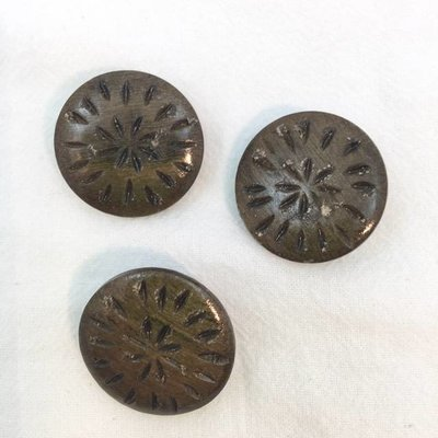 "Buttons Etc *Buttons - Wood, Round, Graywood, Filagree, 1"", 2.5cm"