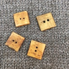 """Art of Yarn *Buttons - Bone, Square, Brown, 5/8"""", 1.5cm"""