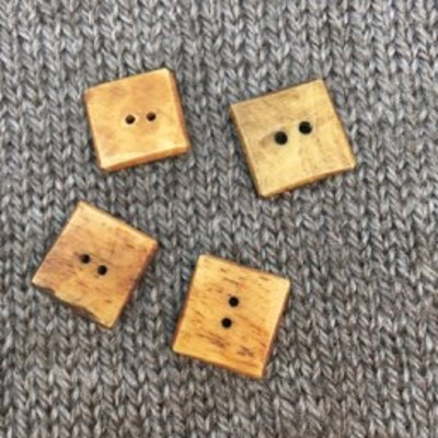 "Art of Yarn *Buttons - Bone, Square, Brown, 5/8"", 1.5cm"