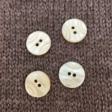 """Art of Yarn *Buttons - Shell, carved, 5/8"""", 1.5cm"""