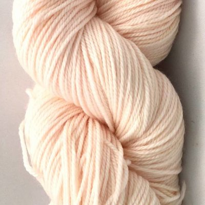 Hand Maiden Fleece Artist Tree Wool Sport - Shell Pink