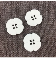 """Dill Buttons *Buttons - Polyamide Flower, White, 1"""", 2.5cm"""