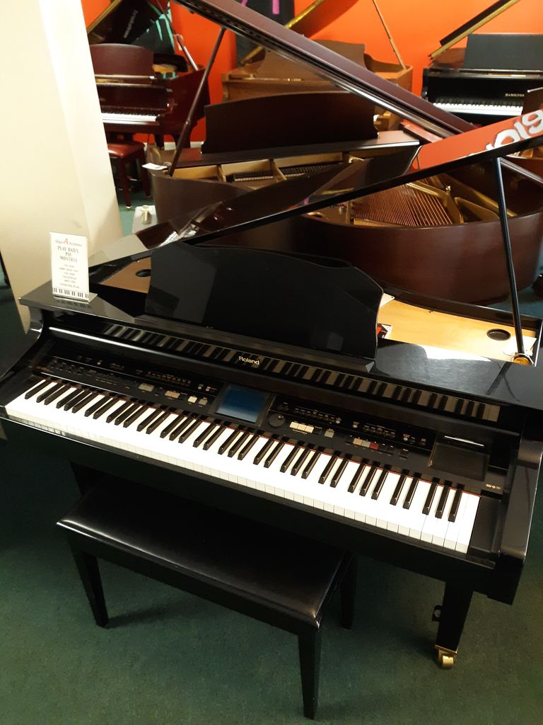 Roland Kr 977 Intelligent Mini Grand Piano Pre Owned