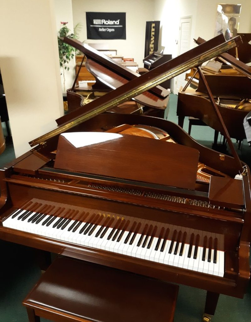 "Yahama Yamaha GH-1 5'0"" Grand Piano (High Polished Walnut) (pre-owned)"