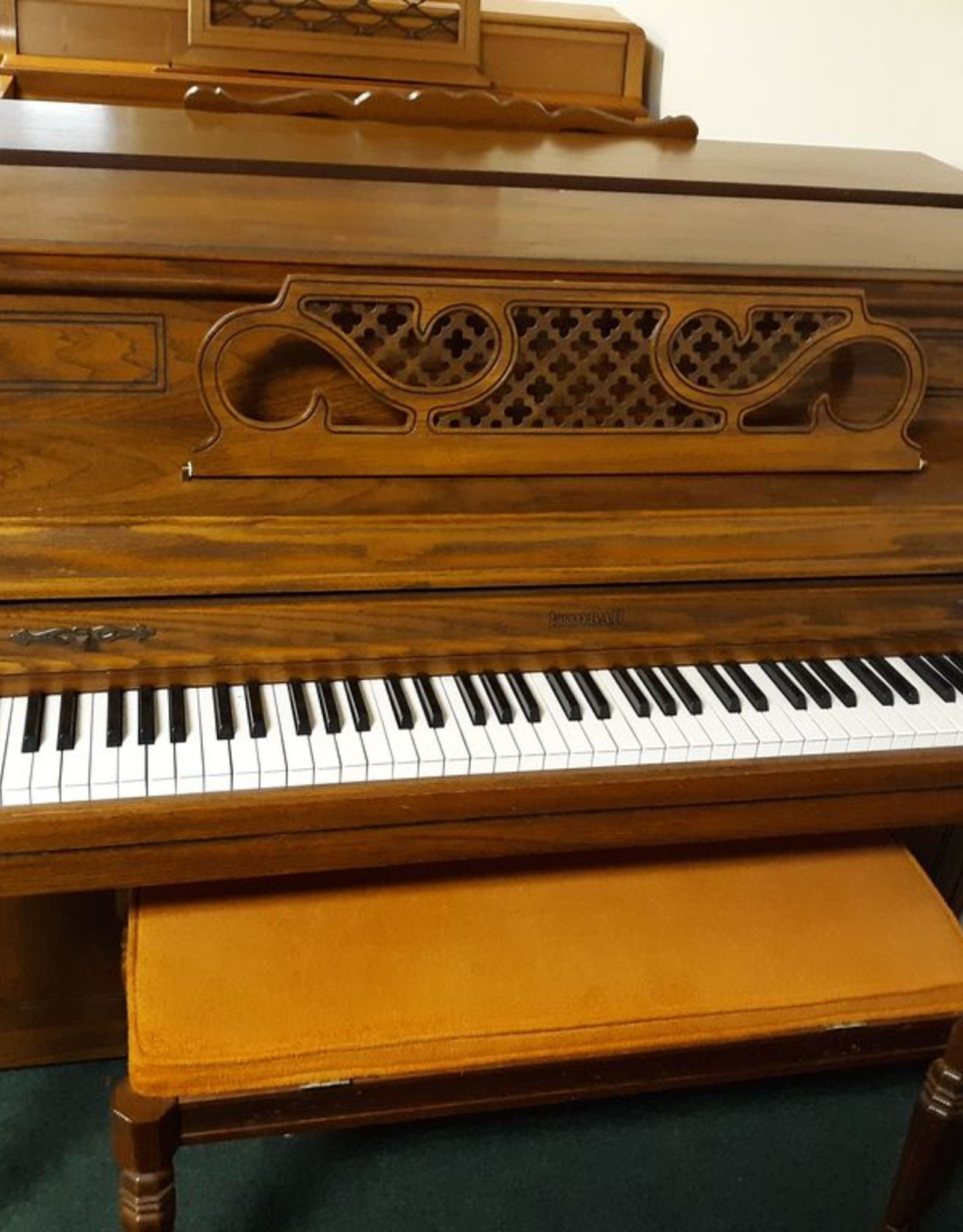 """Kimball Kimball Console 40"""" Vertical Piano (Pecan) (pre-owned)"""