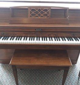 """Baldwin Baldwin Classic 623A 40"""" Vertical Piano (Pecan) (pre-owned)"""