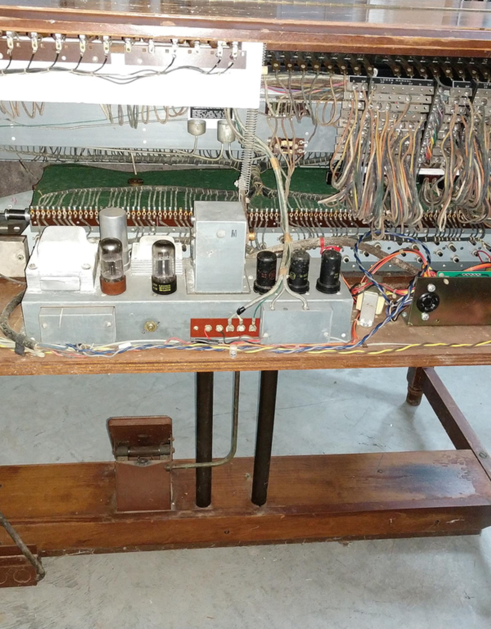Hammond B2 Console Organ - c.1954