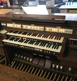 Viscount Church Organ Systems Prestige digital organ