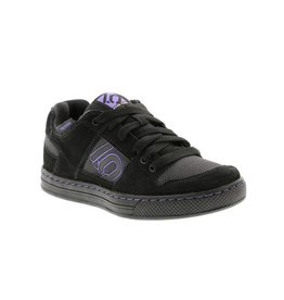 Five Ten Five Ten Freerider Women's Flat Pedal Shoe: Black/Purple 7.5