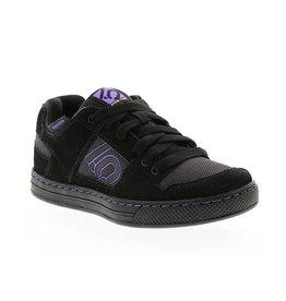 Five Ten Five Ten Freerider Women's Flat Pedal Shoe: Black/Purple 10