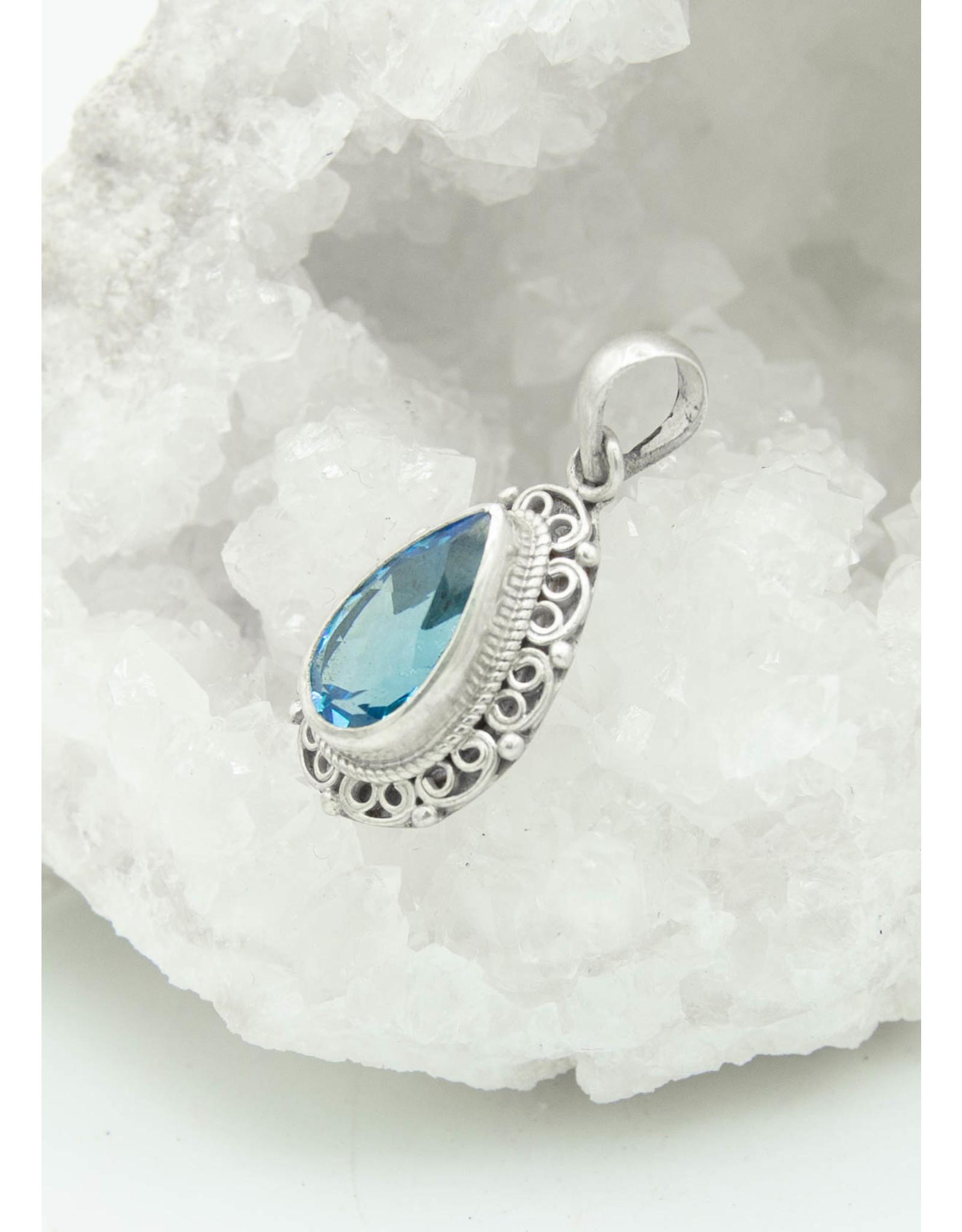 Pendentif Topaze bleue