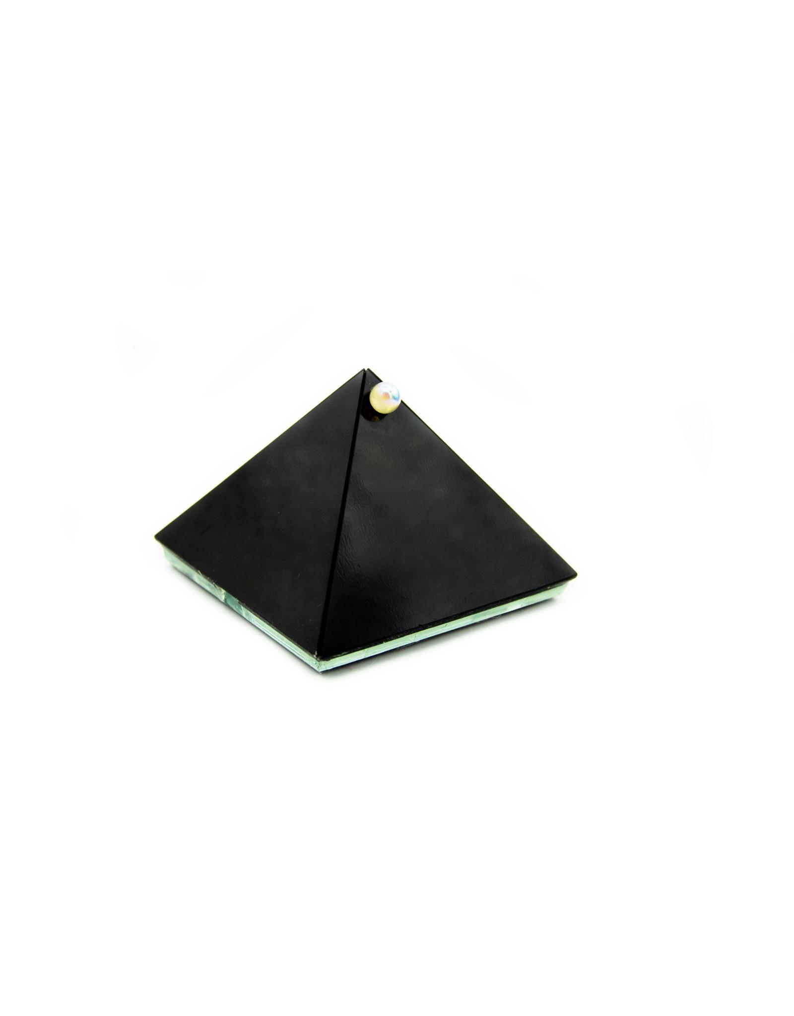 Pyramide à souhait noire