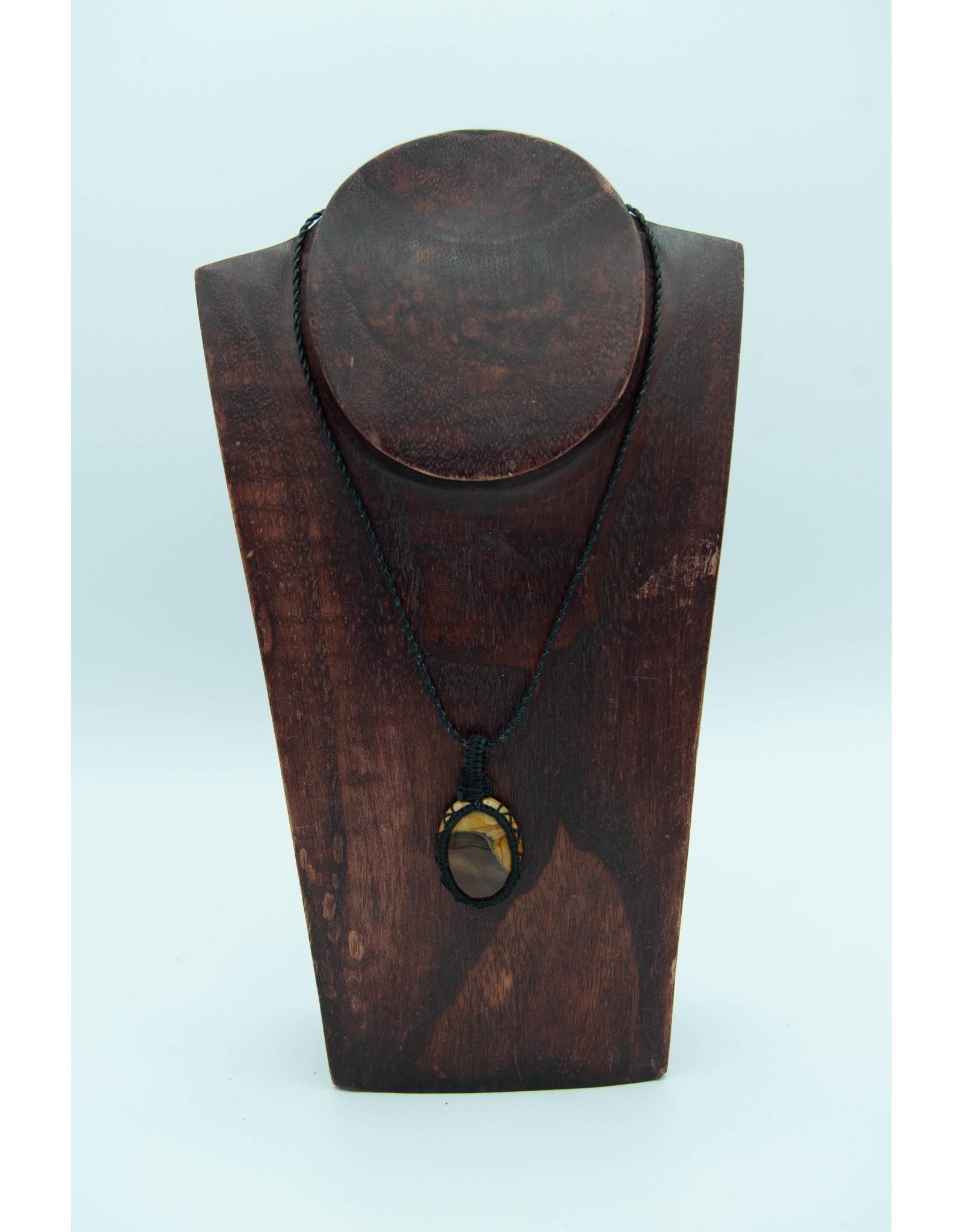 Pendentif macramé bois pétrifié