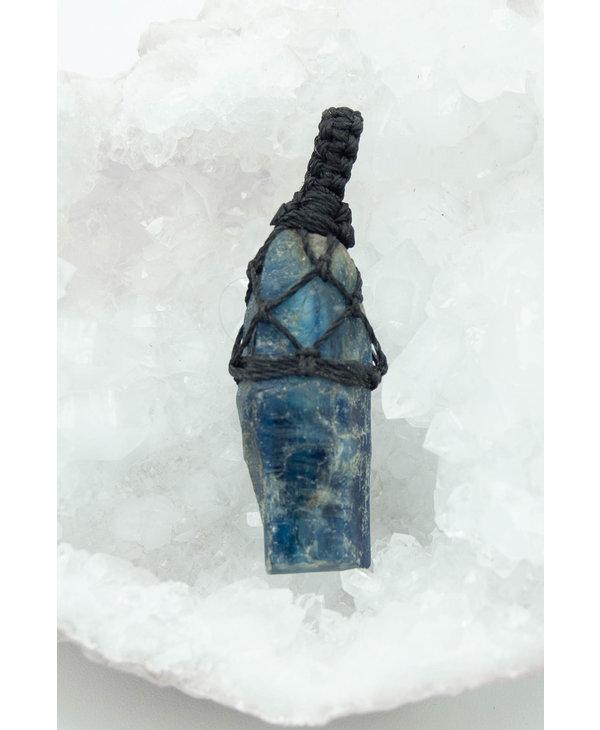 Blue Kyanite Pendant Macrame
