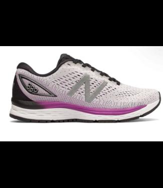 New Balance Women's 860v9