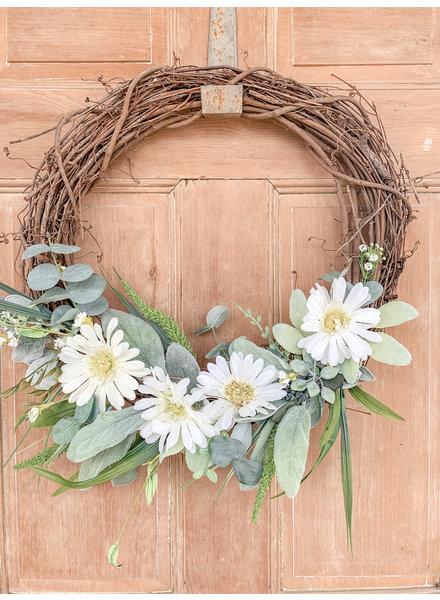 Julie Boyd White Daisy Wreath