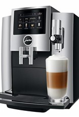 Jura Machine espresso super-automatique S8 par Jura - Chrome