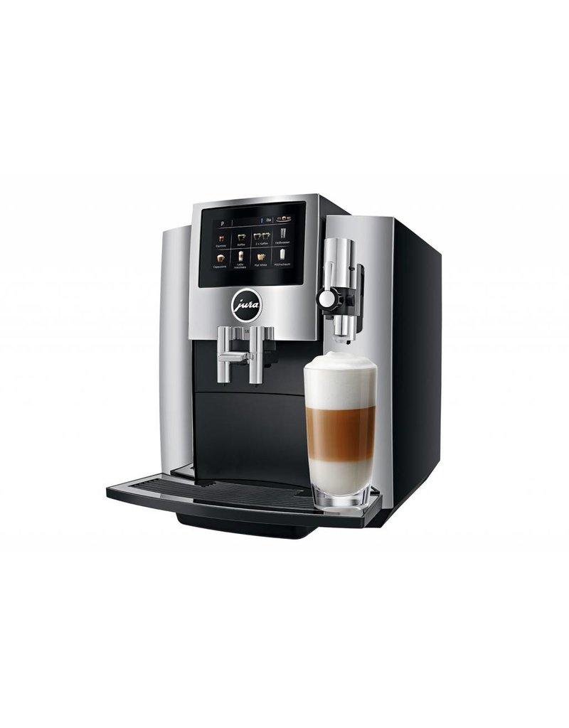 Jura Machine à café espresso super-automatique S8 par Jura - Chrome