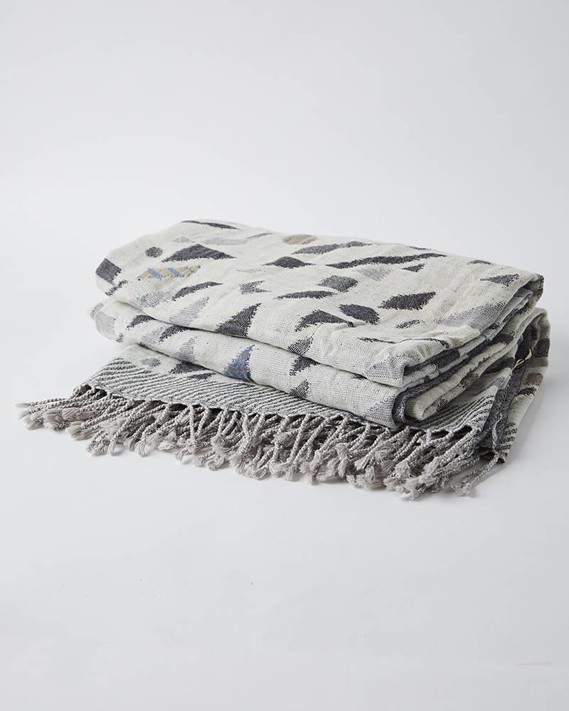 Bloom and Give JACQUARD THROW