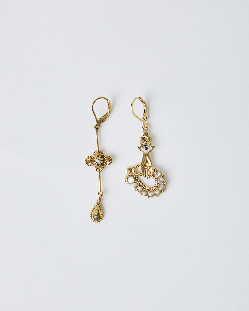 La2L PEARL SERPENT EARRINGS