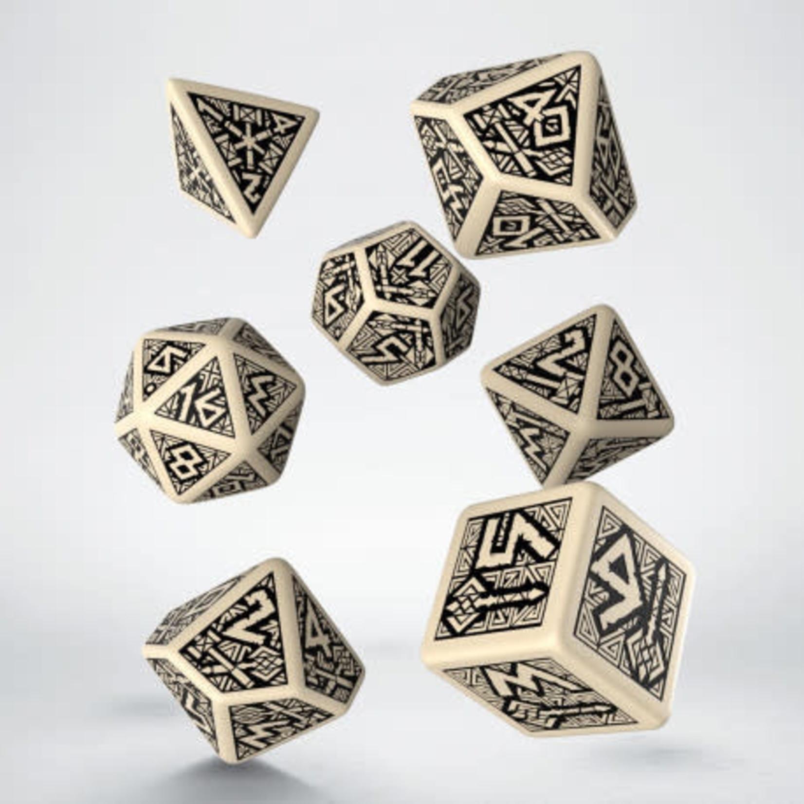 Q Workshop Q Workshop Dwarven beige/black dice set
