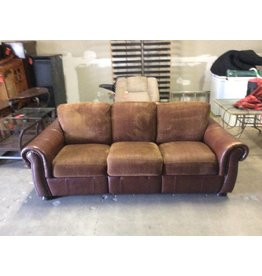 Sofa / brown leather tack front