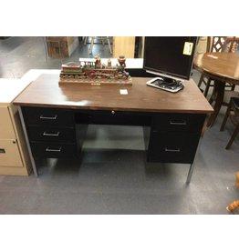 Double ped desk / black n metal