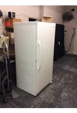 GE refrigerator / freezer white