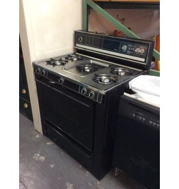 Gas stove / Kenmore black