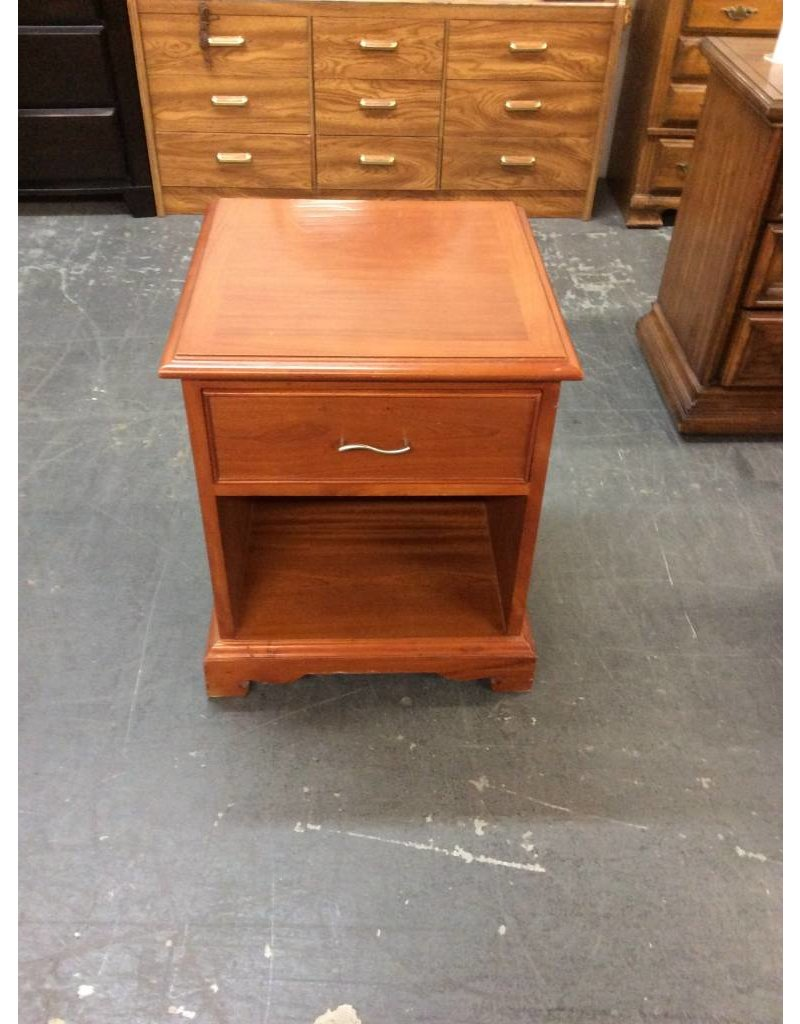 End table / cherry -17