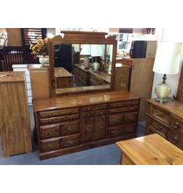 6 drawer, 1 door pine dresser w mirror