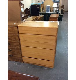 6 drawer chest /  oak - 27