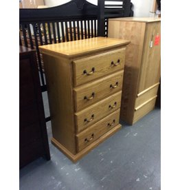 4 drawer chest /  oak w oak handles