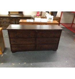 6 drawer dresser /  dark pine