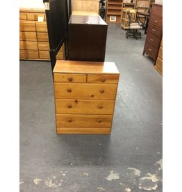 Small 5 drawer chest / pine