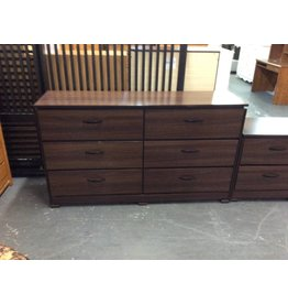 6 drawer dresser / oak wrap w dark handles