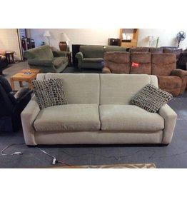 Sofa /  w 2 pillows