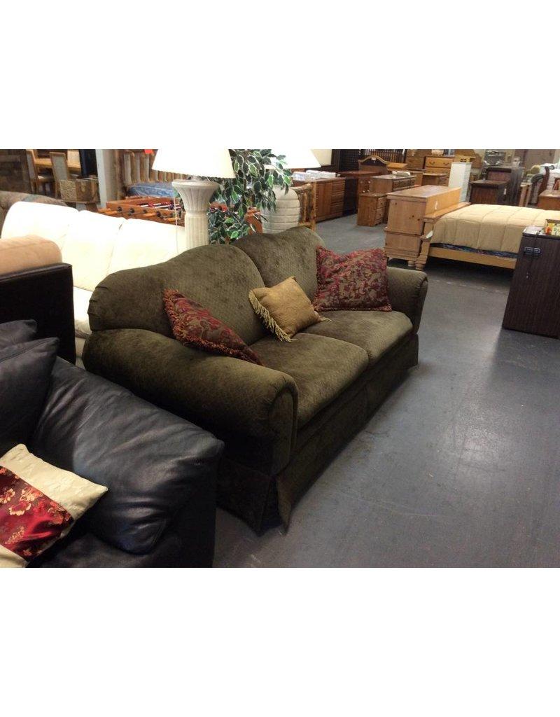 Sofa / green w pattern
