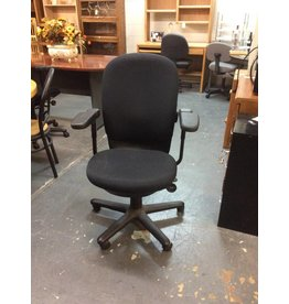 Office chair/ black w arms