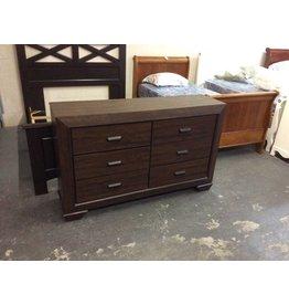 6 drawer dresser /  w mirror- 10