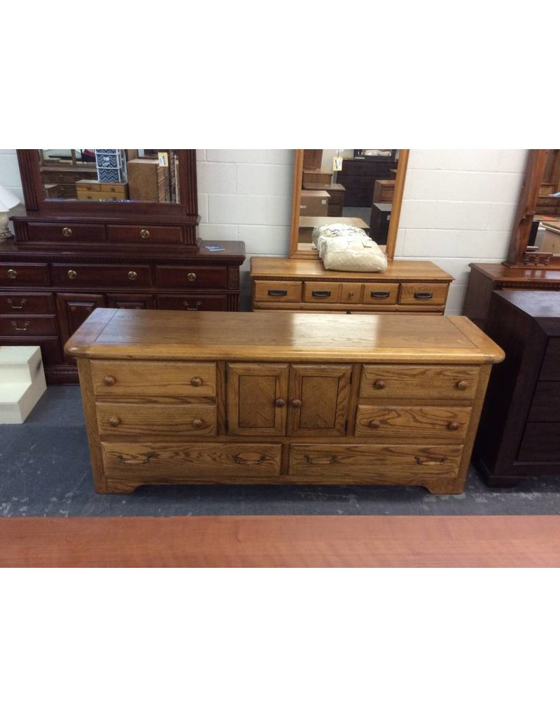 6 drawer, 2 door solid oak dresser