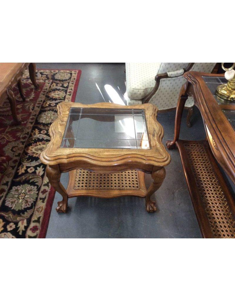 End table / oak n glass w mesh