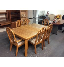 7 piece dinette / oak padded multi color